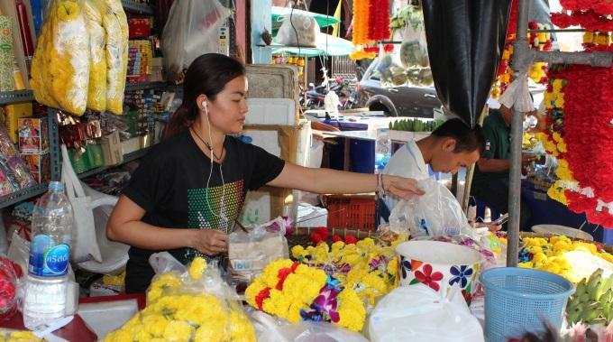 Sydänystävä Vastaa Kuuntelijoiden Kysymyksiin Thaimaassa
