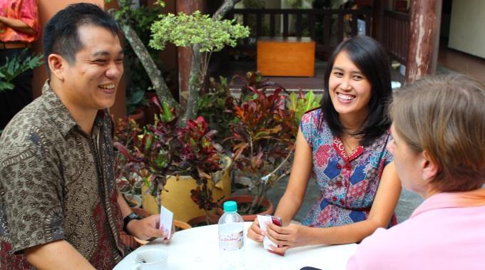 Myös Miehet Pitävät Naisten Radio-ohjelmasta Indonesiassa