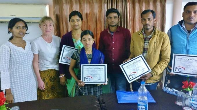Eila Murphy Koulutti Intiassa Nuoria Tekemään Kyselytutkimuksia